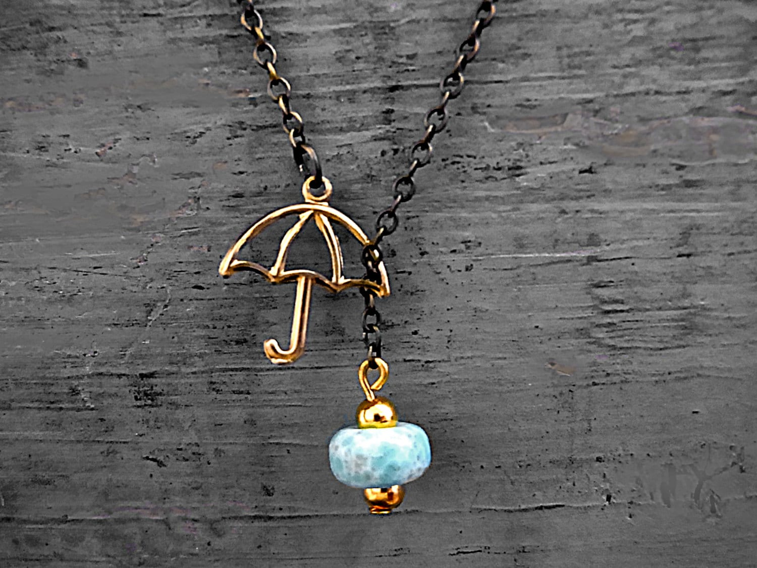 SUMMER RAIN - lariat necklace with vintage turquoise drop and little umbrella - VillaSorgenfrei
