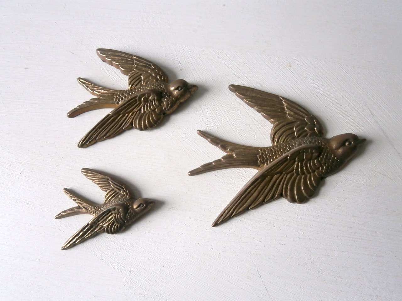 Vintage Flying Birds S...