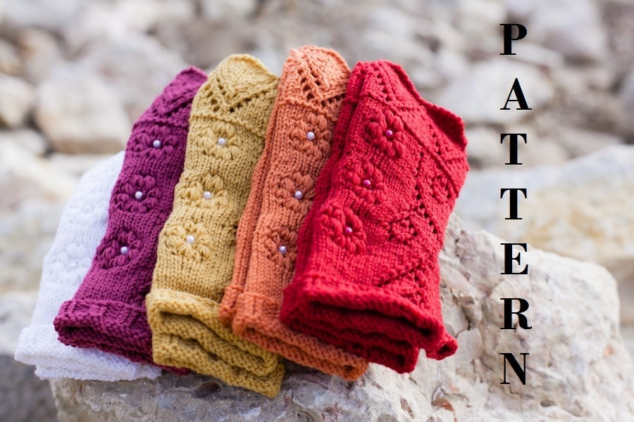 Lace Arm Warmers Knitting Pattern : Knitting pattern for Romantic Lace Mini Gloves, lace fingerless gloves / arm ...
