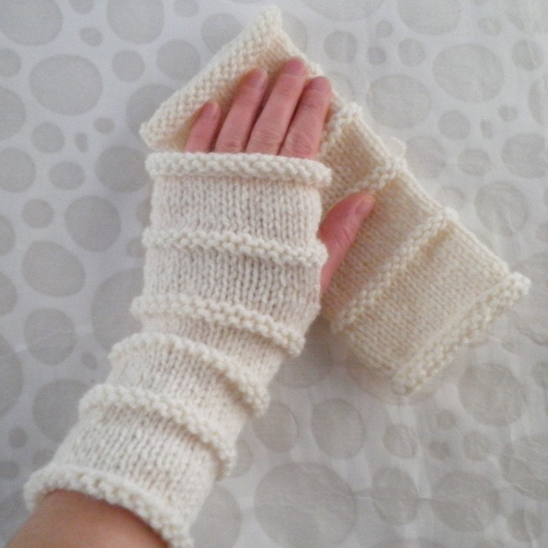 Fingerless Gloves Knitting Pattern Beginner : Knitting Pattern for OSLO Fingerless Gloves for Men by RomeoRomeo