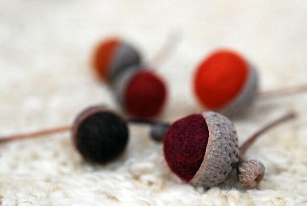 Autumn Acorns & Beeswax Walnut Votive