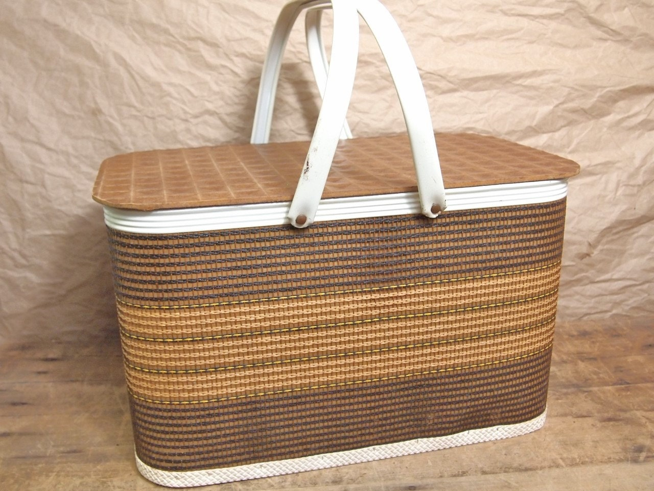 Woven Basket With Hinged Lid : Fun vintage woven picnic basket with hinged lid and by