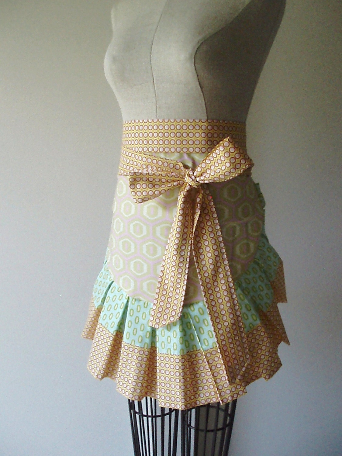 Pleated Honeycomb Apron