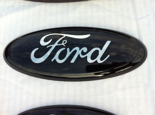 Ford Emblem Overlay Black Red Writing | Autos Weblog