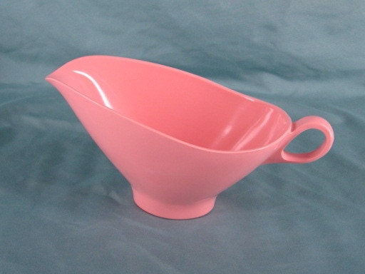 Boontonware Vintage Melmac Pink Gravy Boat Bowl