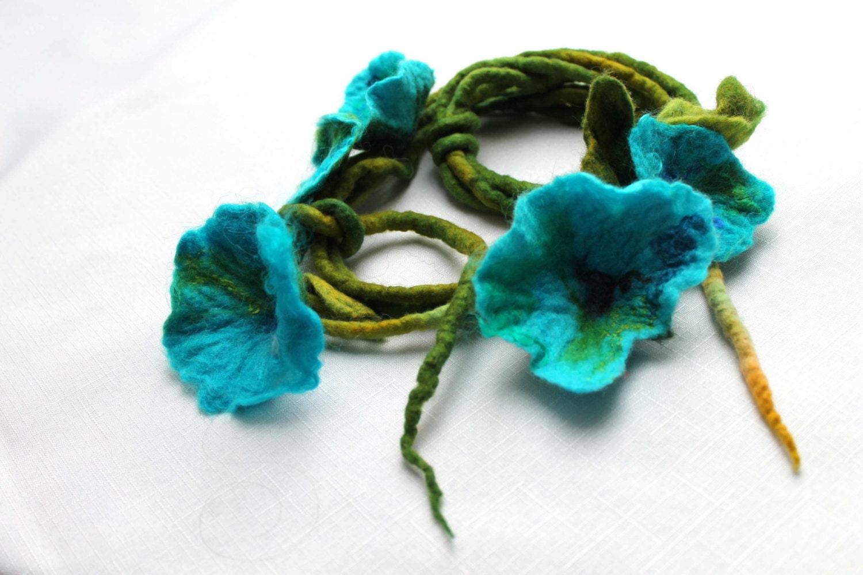 Felt Necklace Sky Blue Flowers Floral Felted Floral Forget Me Not Dread Spring Fashion Belt Headband Heavenly Celeste - FeltMeadow
