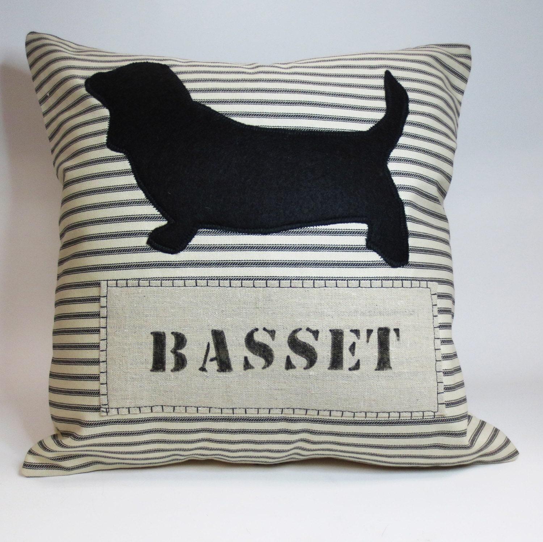Basset Hound Felt Pillow Decorative throw by ecarlateboutique