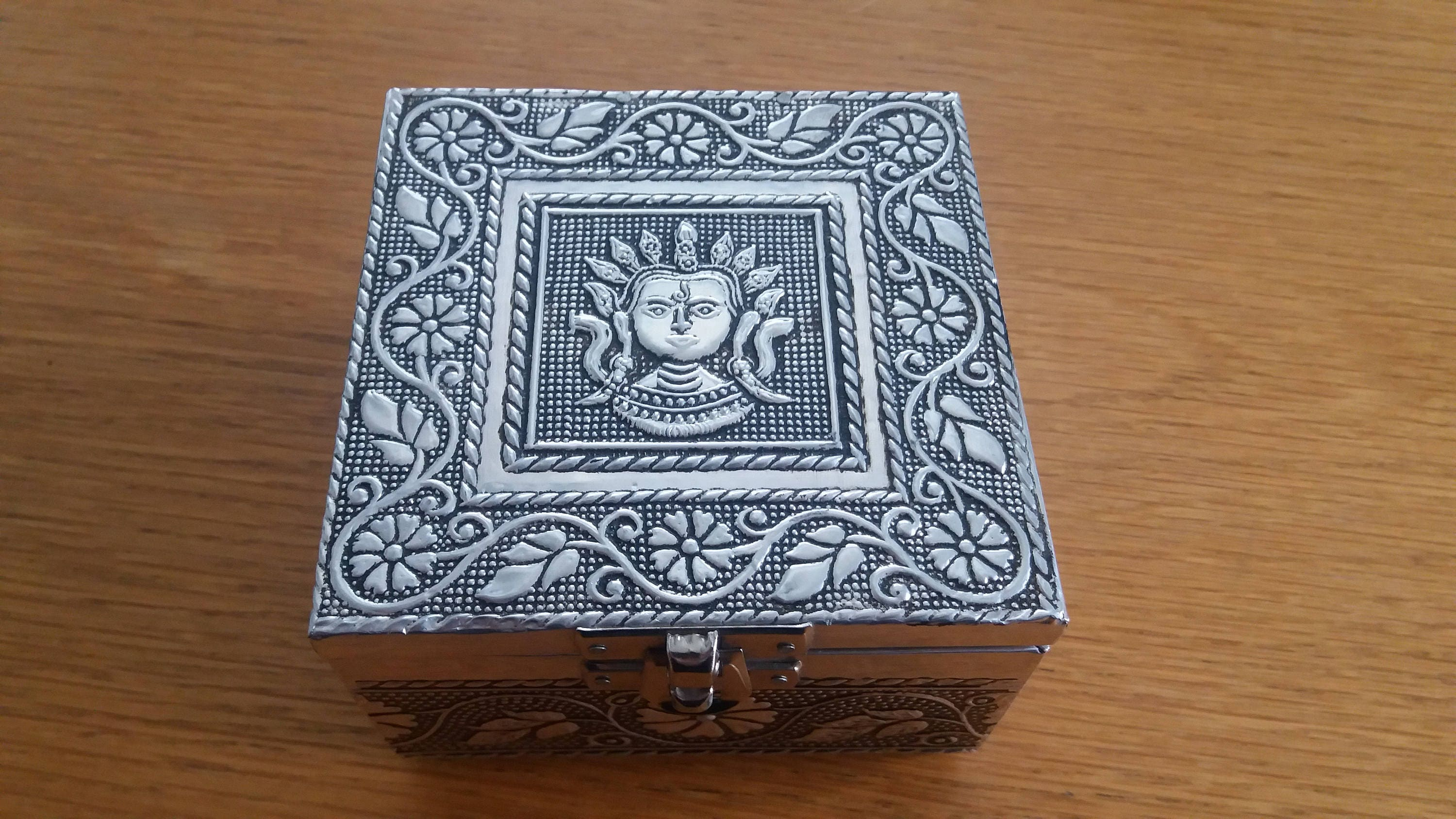 Vintage Silvertone Thai Aztec Inspired Jewellery Box  Kitsch Chic Boho  South American Infused Style