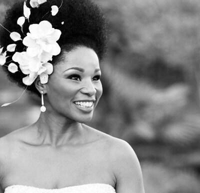 White Bridal Flower Headpiece - BoutiqueDeBandeaux