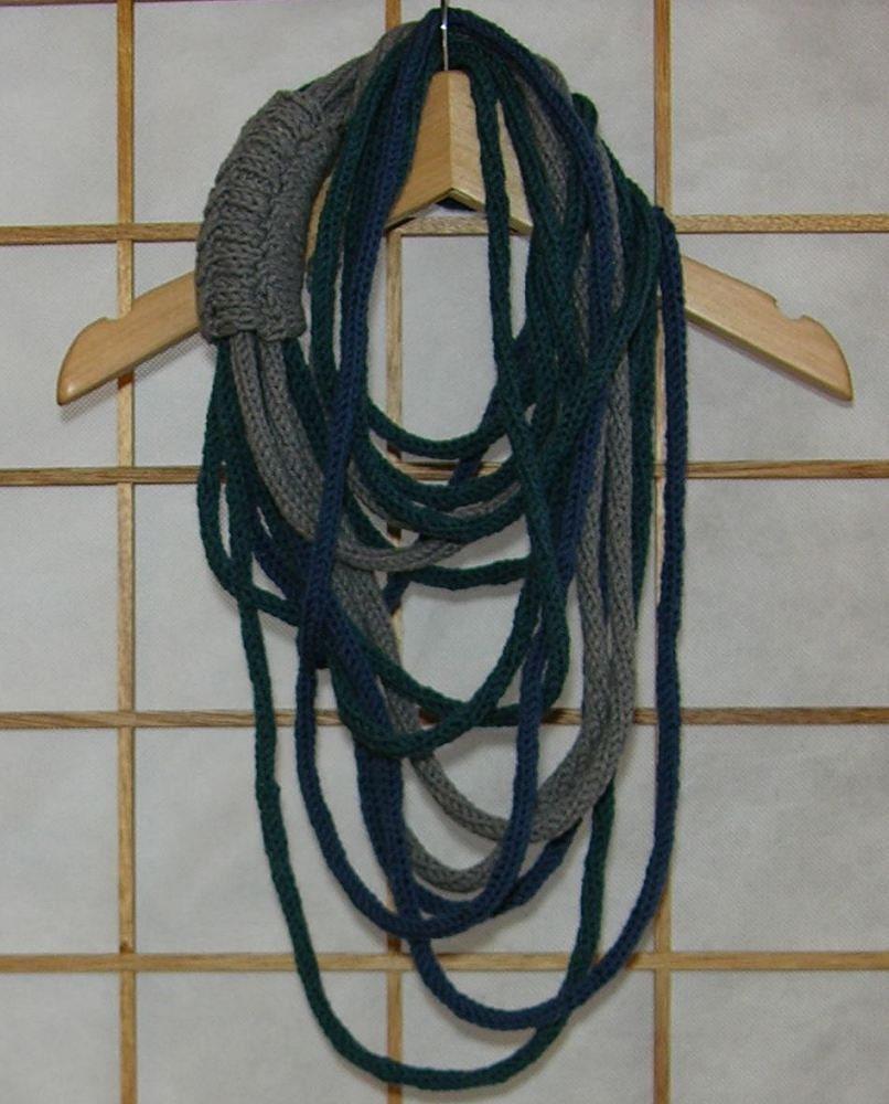 Шарф ожерелья - шея теплее - трикотажные ожерелье - обернуть шею - бесконечность - scarflette - чирок голубовато серый свет