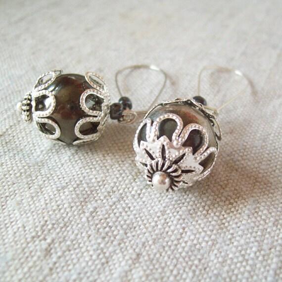 Beaded Vintage Style Earrings - wedding accessory - antagonistshop