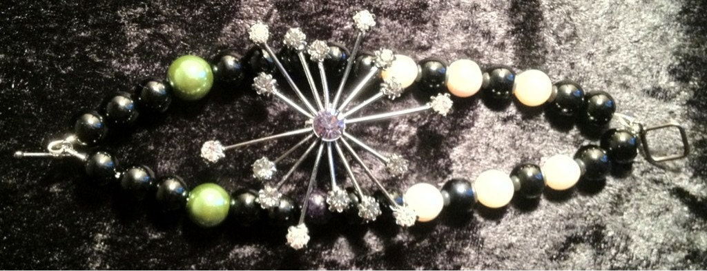 "Black Onyx and Pearl Snowflake ""Broochlet"""