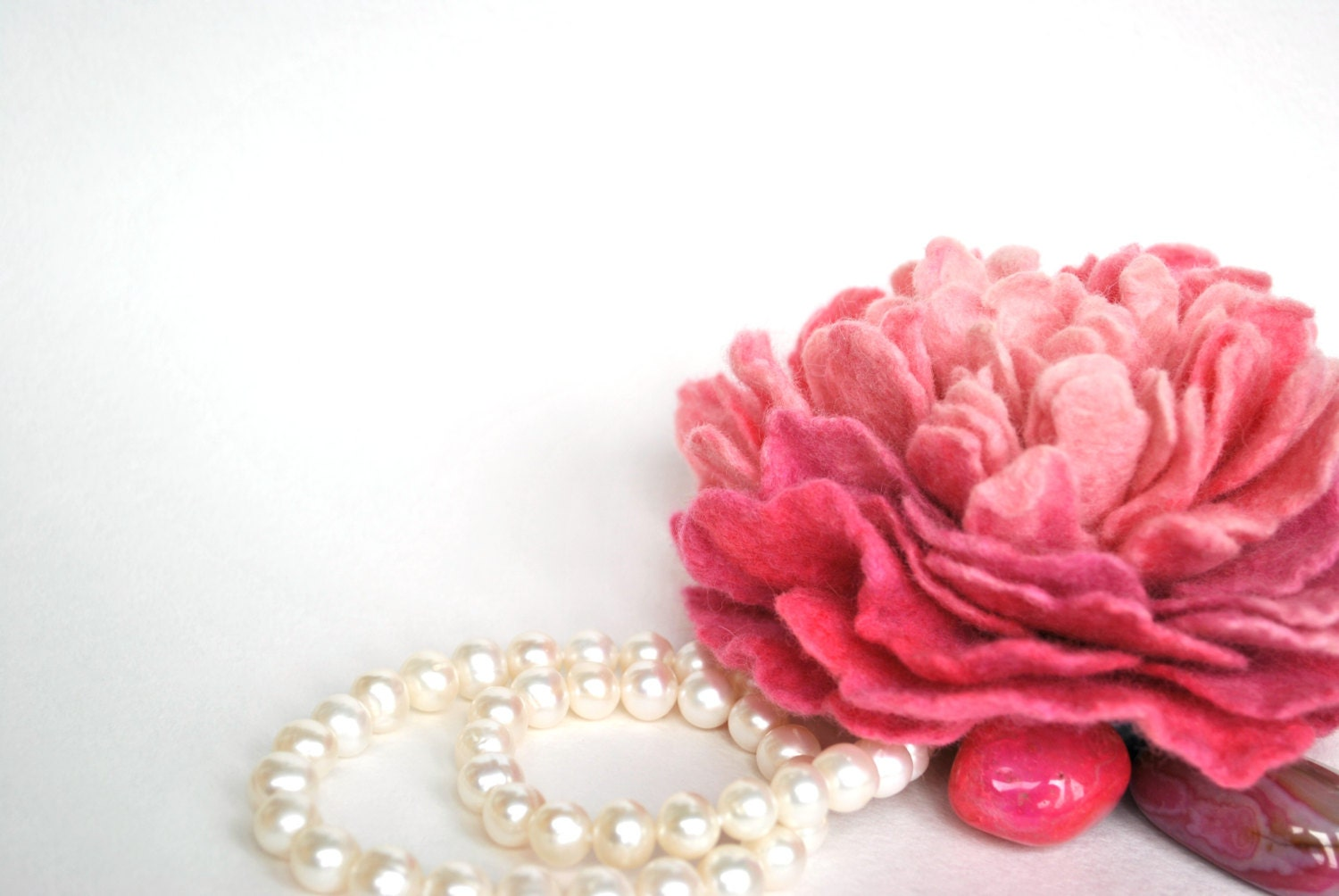 Felted flower fuchia pink peony brooch, wool soft flower Wedding / summer fashion - katuasha