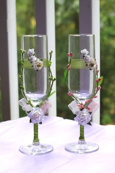Exclusive wedding glasses with handmade decorations 1 Pair