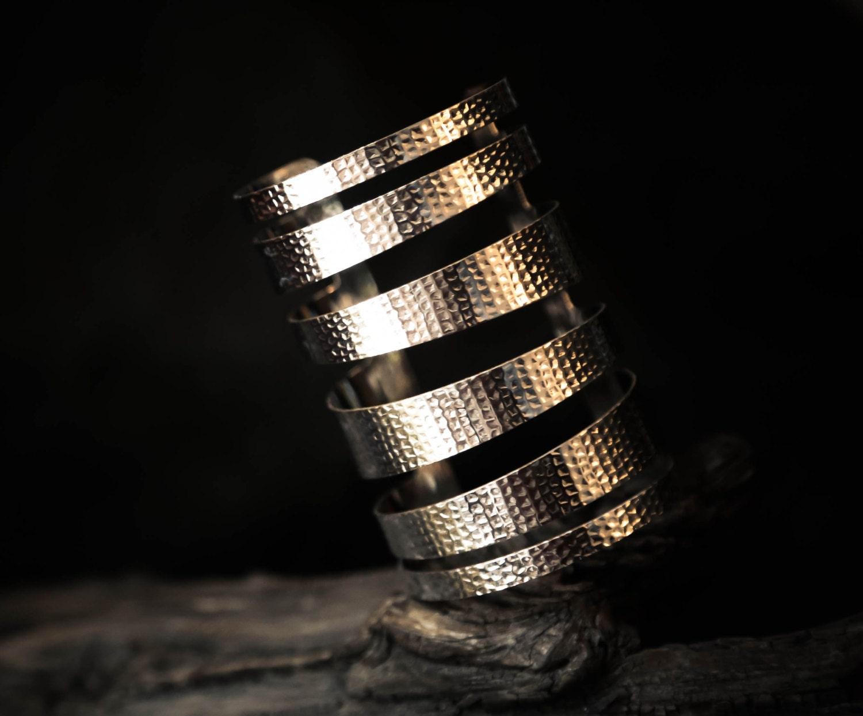 "Asymmetrical banded silver big 4"" cuff bracelet - BISJOUX"