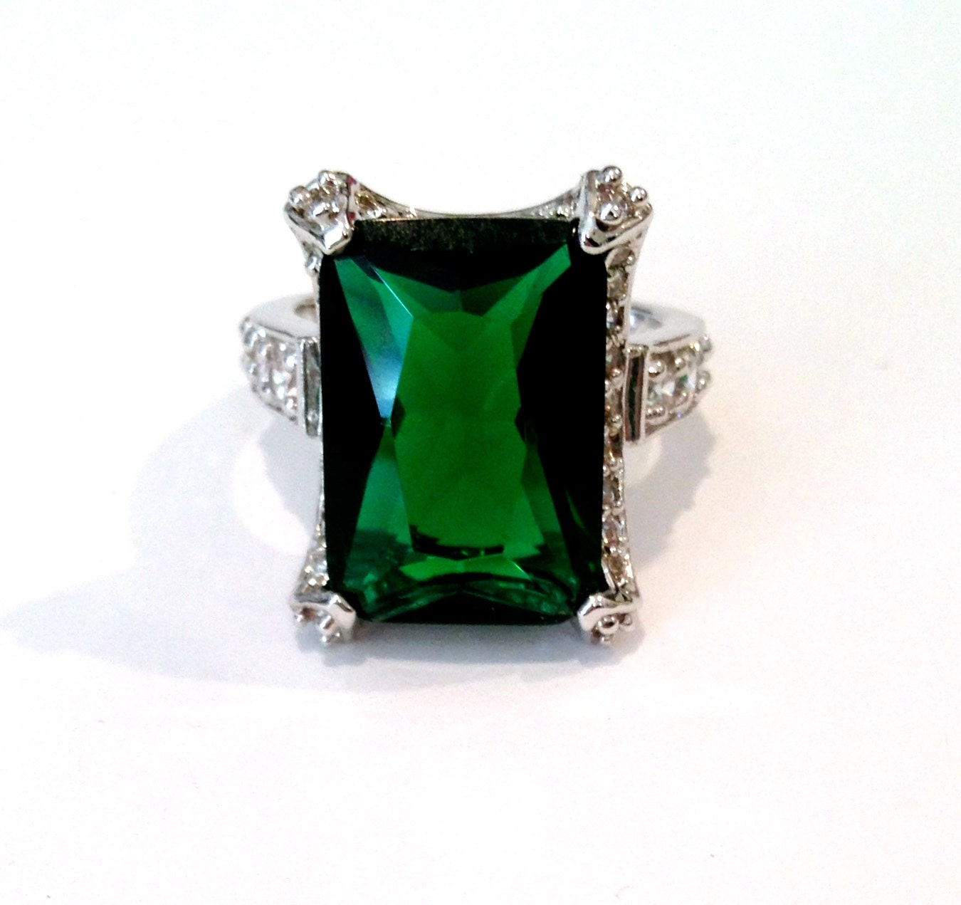 vintage emerald and pave estate jewelry ring by