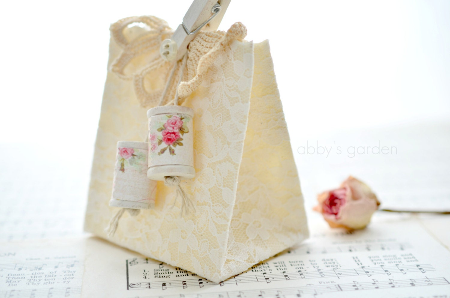 Cottage Chic Lace Covered Gift Bag (with accessories) - AbbysPaperieGarden