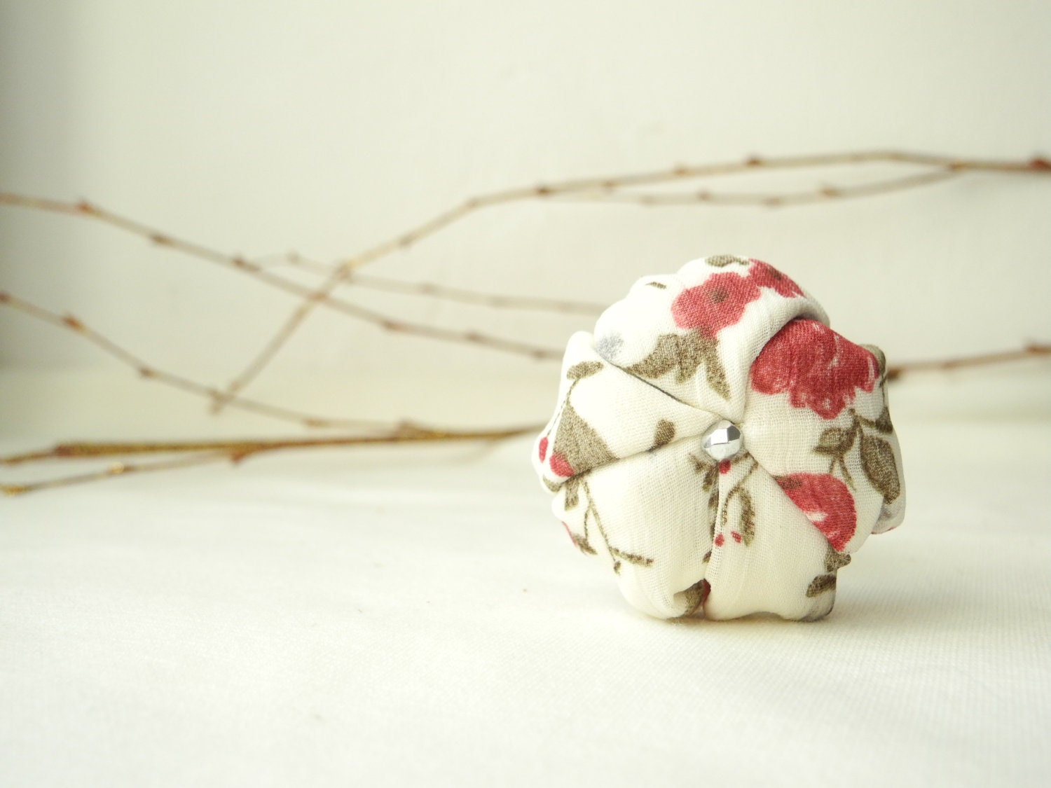 Fiber ring fabric flower beige red - ready to ship