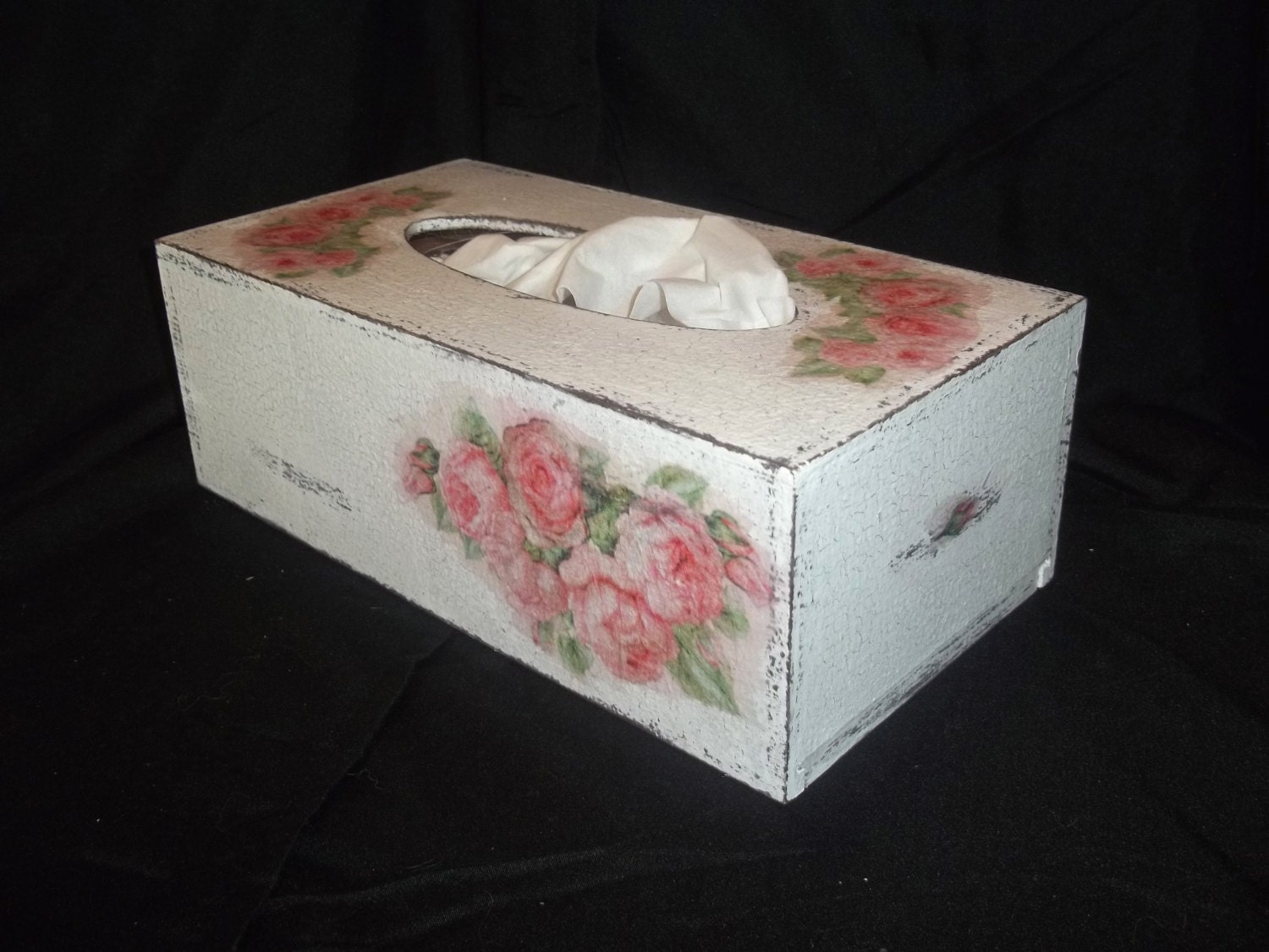Shabby chic tissue box cover by boutiqueclaire on etsy for Tissu shabby chic