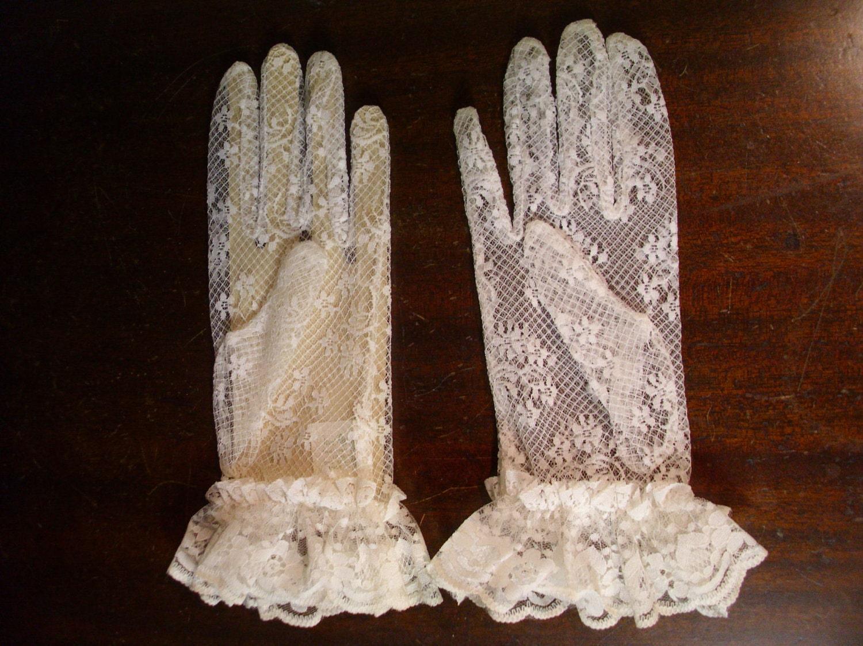 vintage van raalte white lace gloves nos by 4theloveofvintage
