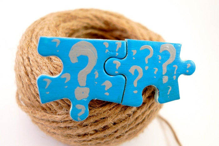 Puzzle brooch pin - funny whimsical jewelry - Questionmark - many colors - egst - europeanstreetteam -123team - DropsOfArt