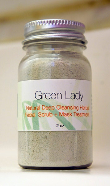 Facial Mask and Exfoliating Treatment with Green Papaya Enzymes & Parsley