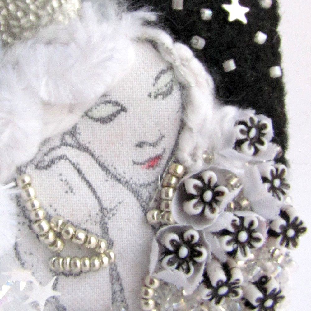 White Queen - Fiber Charm for Necklace or Brooch