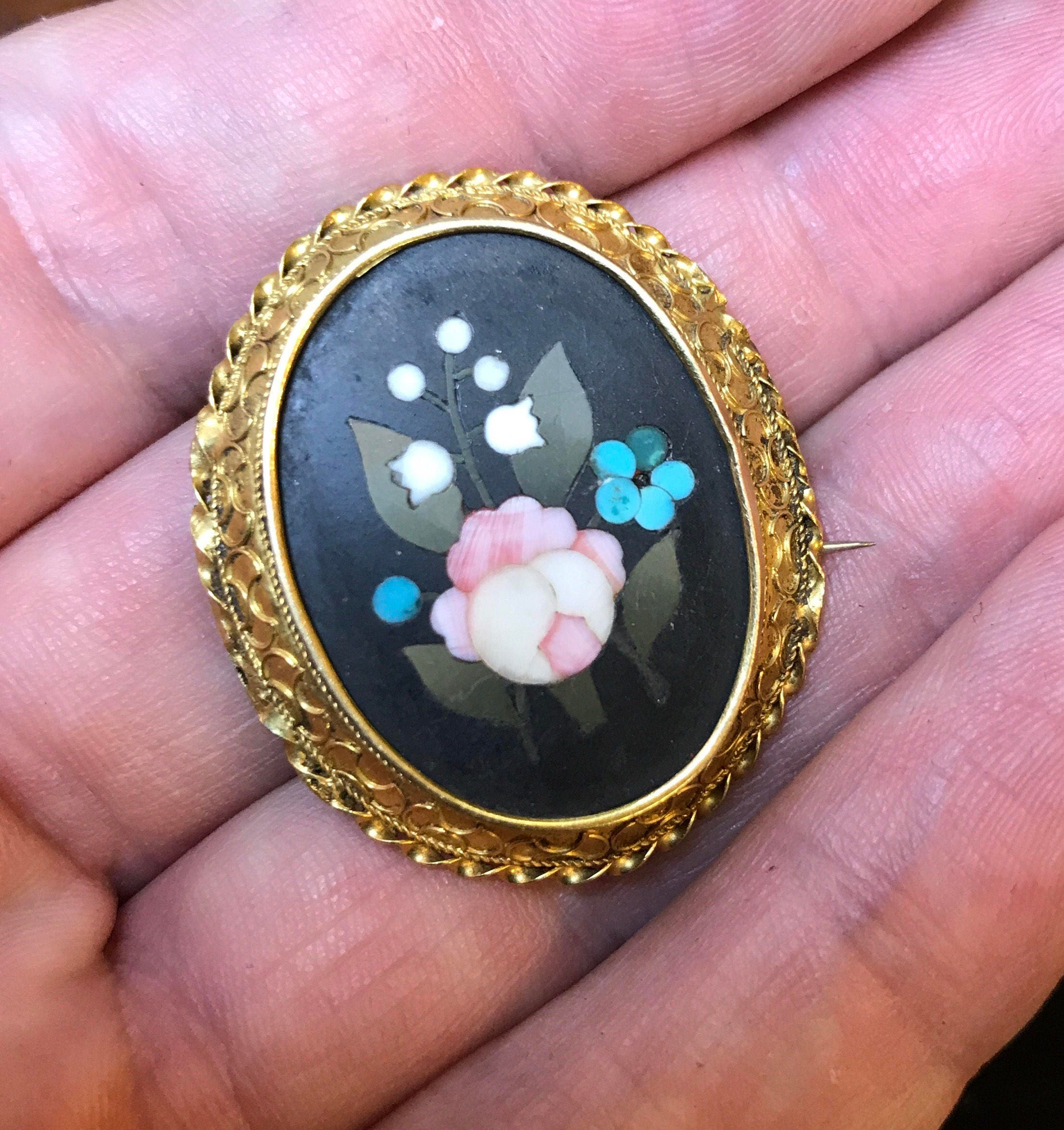 Antique Victorian 15k carat pietra dura hardstone flower brooch pin Italian Florentine Grand Tour