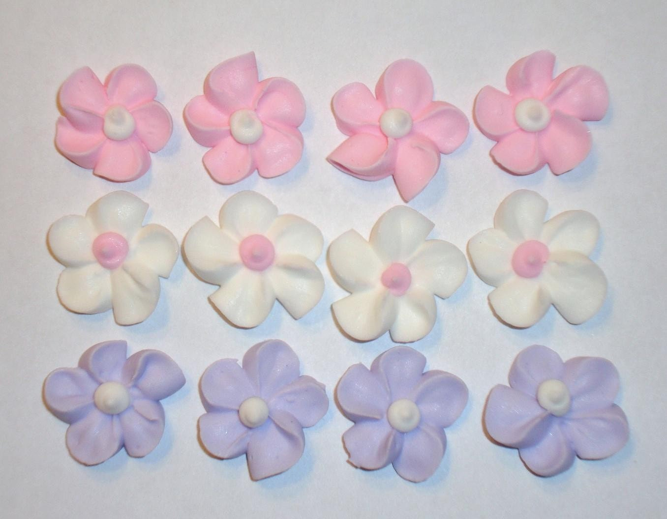Cake Decorating Shiny Icing : LOT of 100 Royal Icing Flowers for Cake Decorating by mochasof