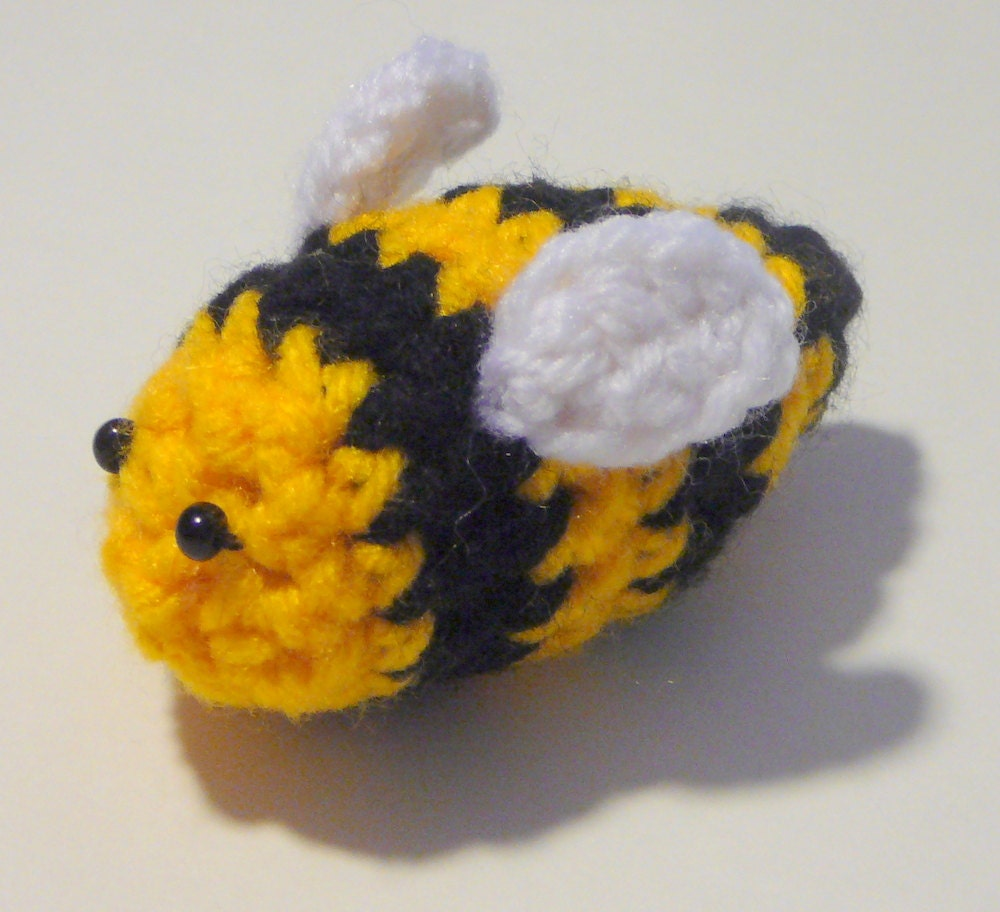 Amigurumi Pattern Bee : Amigurumi Bumble Bee PDF Crochet Pattern INSTANT by HGSDesigns