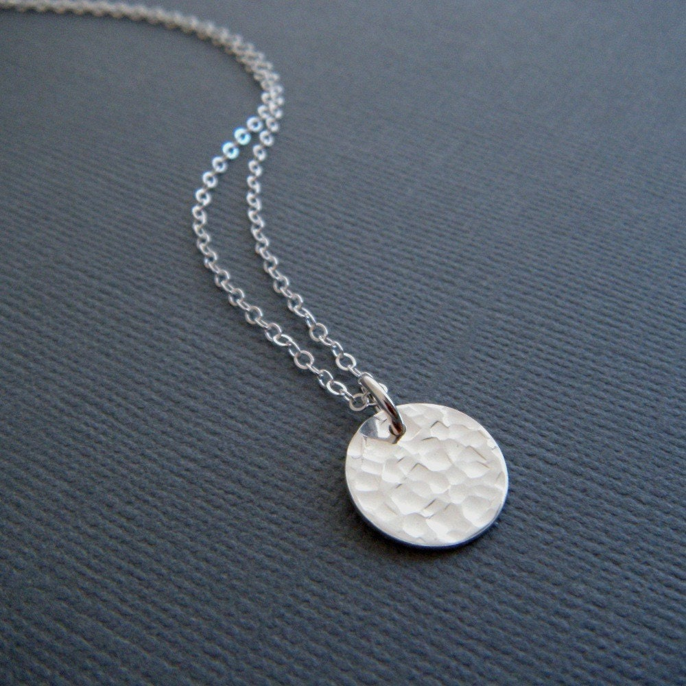 hammered circle necklace simple silver by limegreenmodern