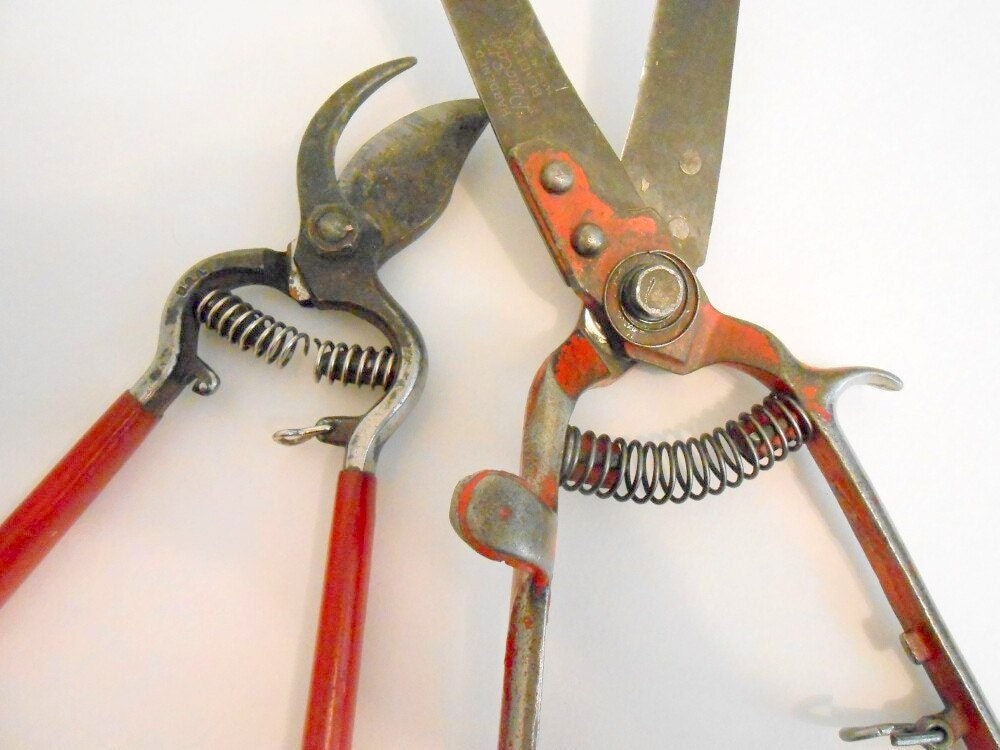Vintage red garden trimmers red garden tools by for Gardening tools made in usa