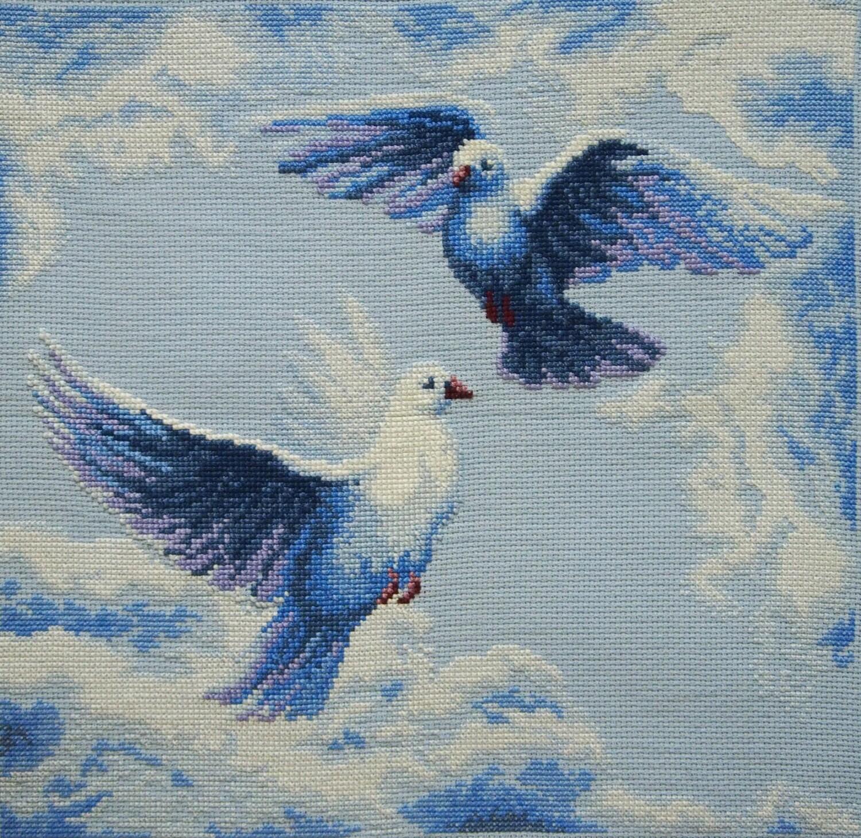 Крест с голубем вышивка