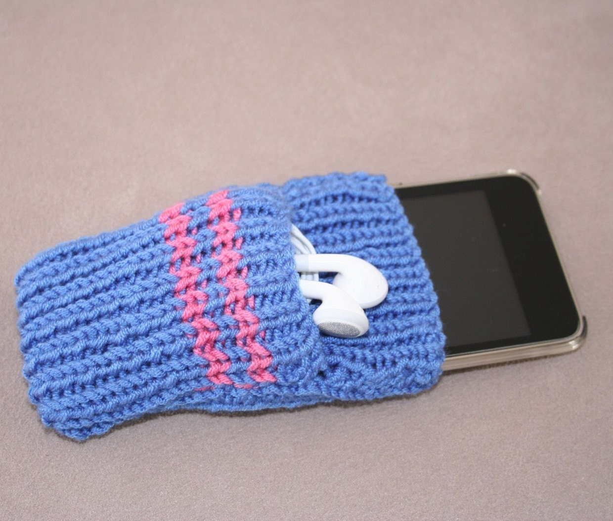 Knitting Pattern For Ipod Sock : iPod Touch/iPhone cases/socks KNITTING PATTERN by kooklacreations