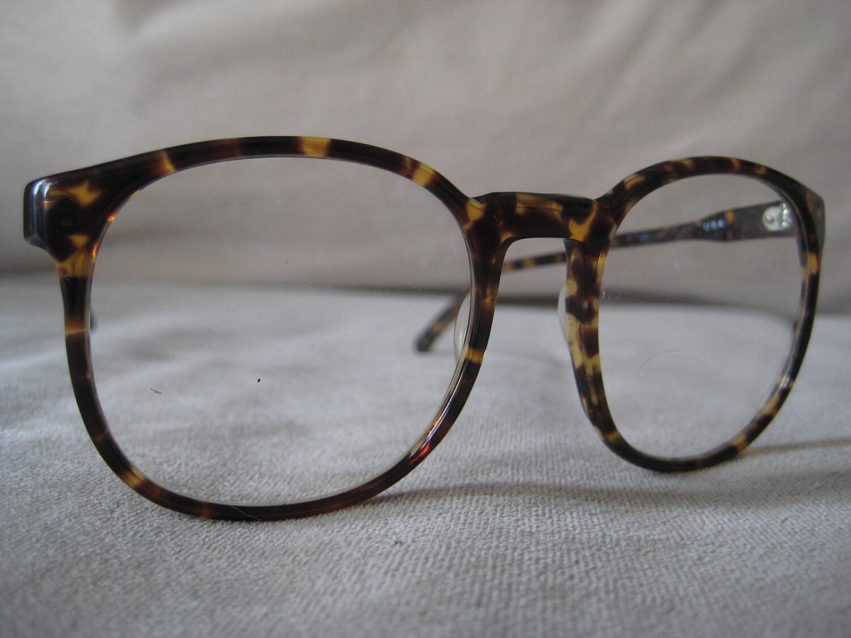 tortoiseshell eyeglass frames