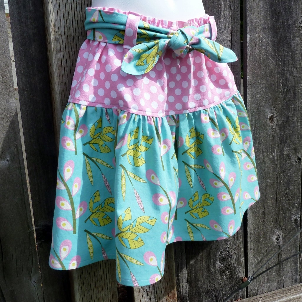 Summer Vacation Skirt with Tie Belt in Pink and Blue.  Ready to Ship in Girls Size 6 or 7 - msliesenfelder