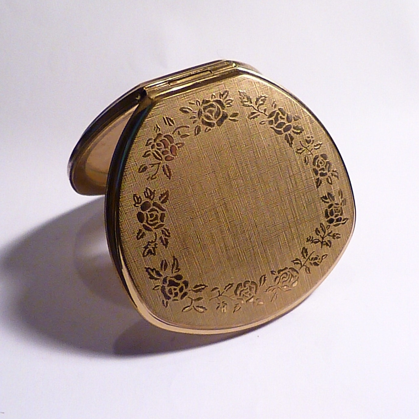 Vintage compact mirrors Stratton powder compacts 1970 Shell Convertible compact bridesmaids  brides gifts