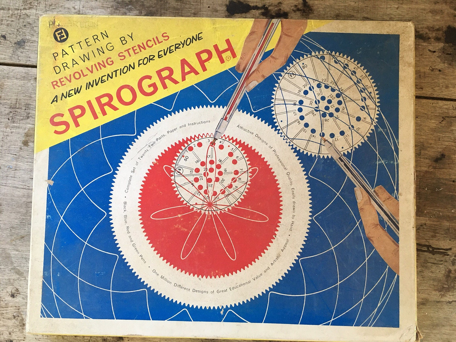 Spirograph Educational toy art toy pattern making retro toy 1970s game nostalgic toy drawing maths toy stencils creative toy