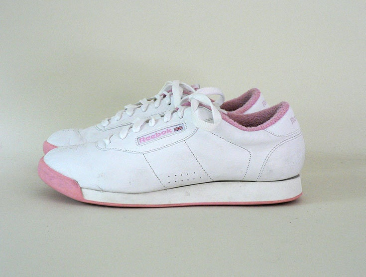 Womens Vintage White 1980s Reebok L eather Tennis Shoes Size 9.5 US