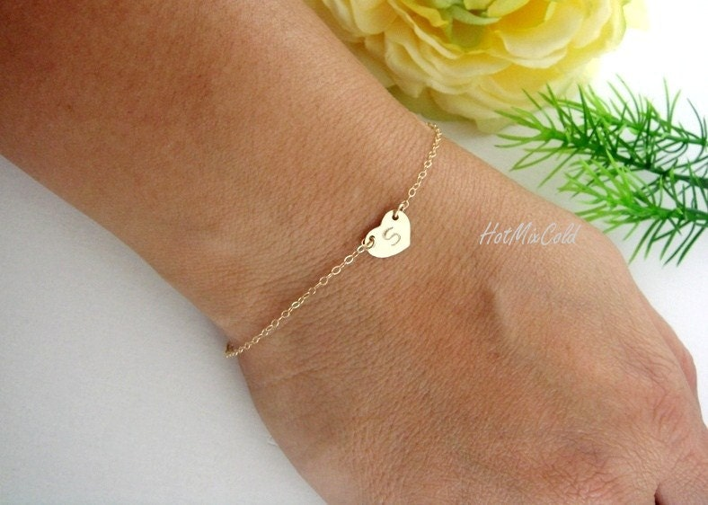 Initial Bracelet, GOLD Fill Heart Bracelet, Personalized Mother bracelet, Monogram Bridesmaid Jewelry, New mom, Christmas lovely gift