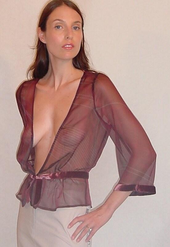 Sexy mmature Dyanna Lauren struts outdoors in sheer shirt revealing her tits  258028
