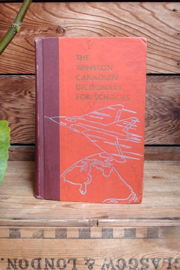 Vintage Winston Canadian Dictionary - Hardcover Book - Orange and burgundy - TheVeryNotion