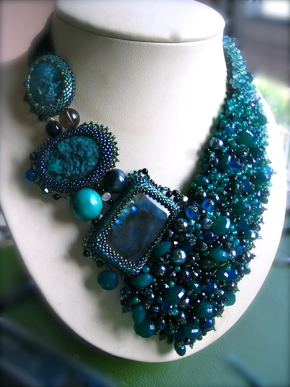 Green Beauty - Beadwork Necklace