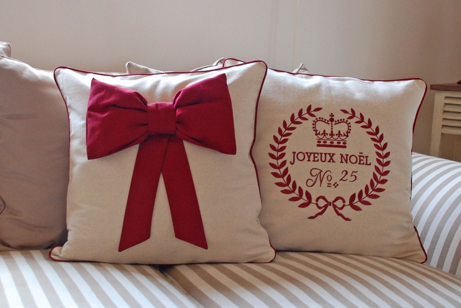 Items similar to Set of 2 Christmas pillow on Etsy