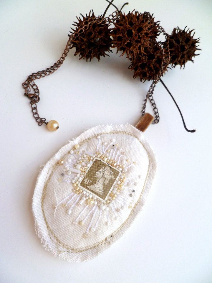 Queen Elizabeth II, unique wearable fiber art necklace - Cesart64