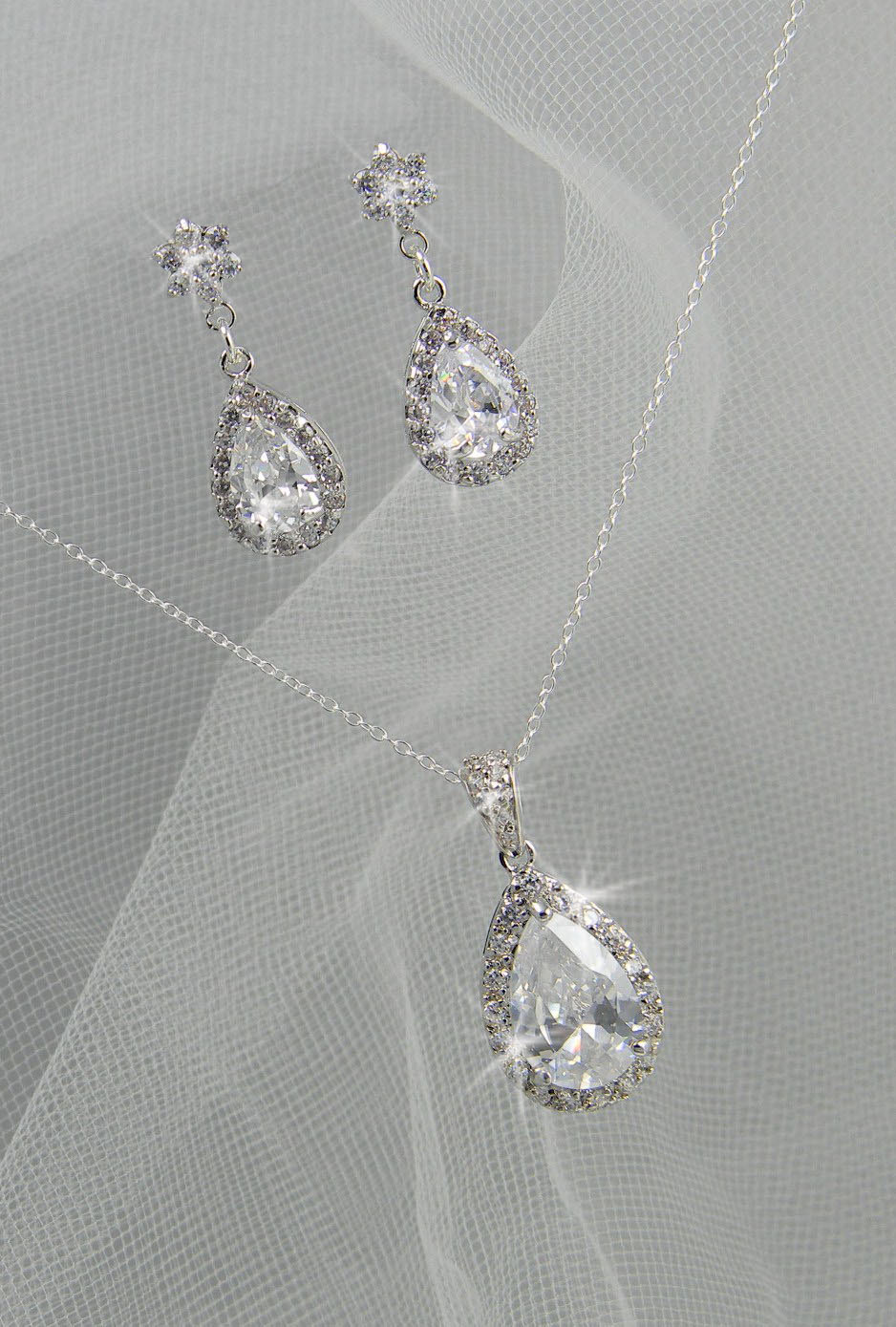 Wedding Jewelry Gift For Bride : Crystal Bridal Set. Bridesmaids Jewelry Set by CrystalAvenues