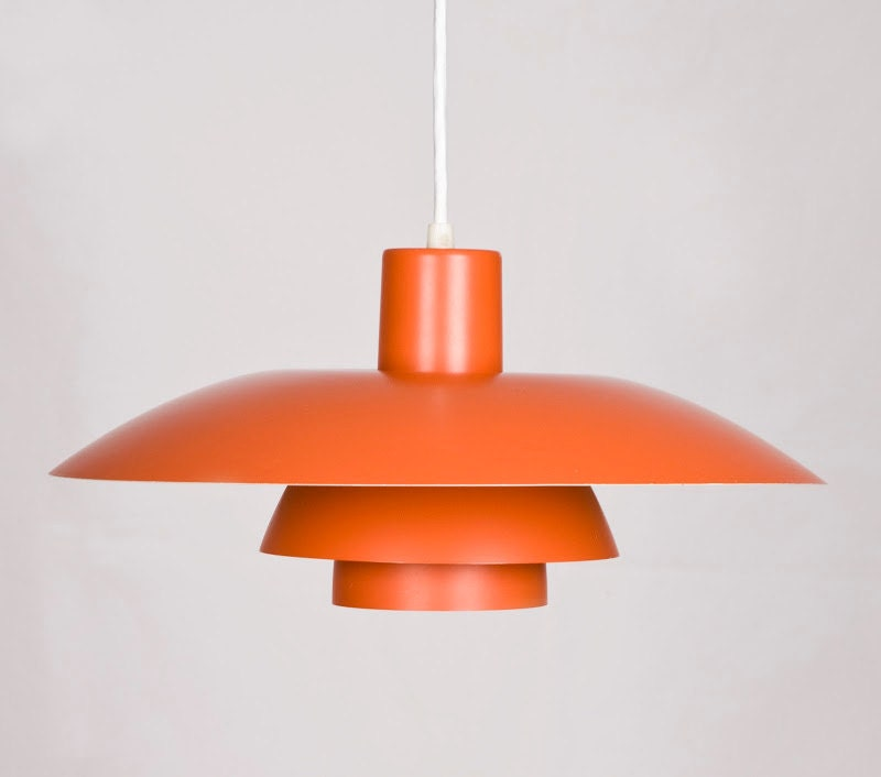 Original Ph4/3 in orange. Poul Henningsen for Poulsen ( denmark) - wwwvintageroomcom