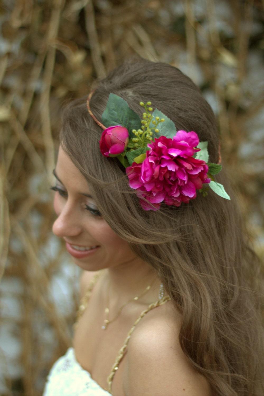 Прически под ободок с цветами