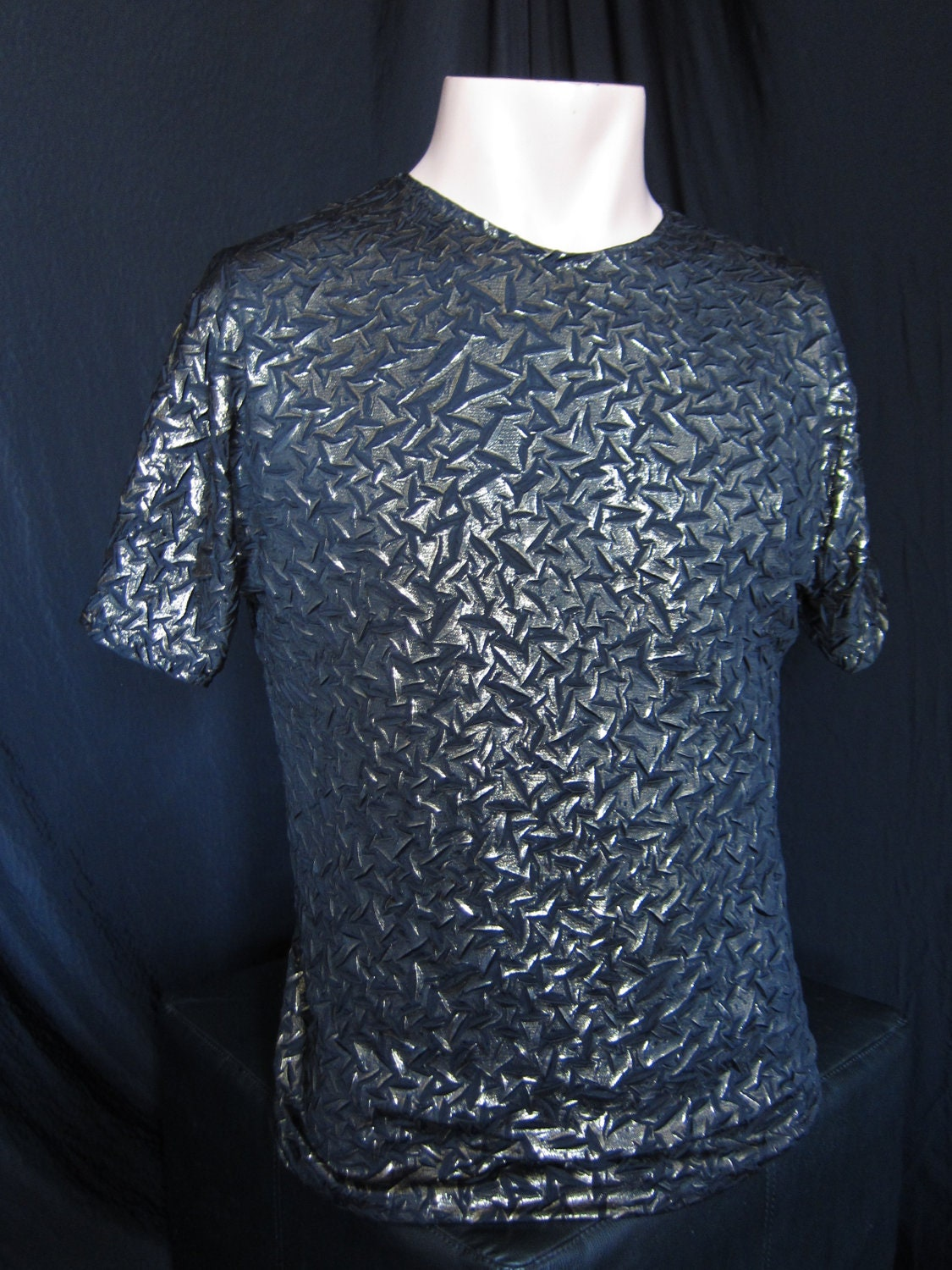 Men's crinkle gold short sleeve