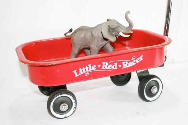 Vintage Small Red Wagon - flattirevintage